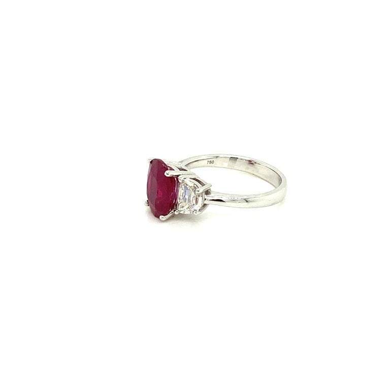 3.06 Carat GRS Certified Pigeon's Blood Red Burmese Ruby and White Diamond Ring In New Condition For Sale In Admiralty, HK