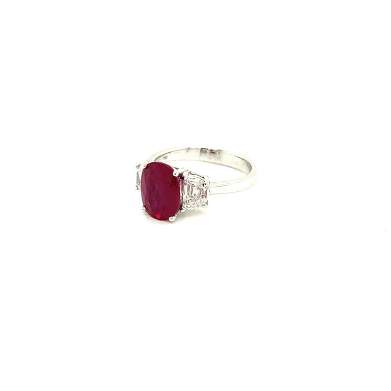Women's or Men's 3.06 Carat GRS Certified Pigeon's Blood Red Burmese Ruby and White Diamond Ring For Sale