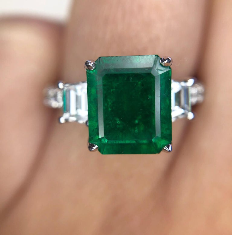 Women's 3.06Carat Emerald Ring (AGL) with 0.96 CTW of Trapezoid Step Cut Diamonds in 18K For Sale