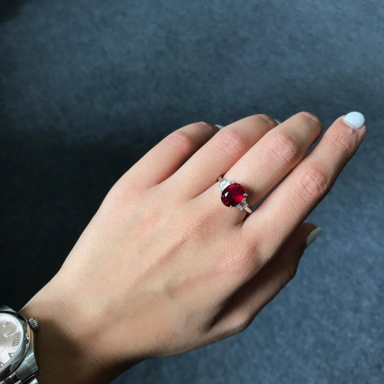 Modern 3.07 Carat Mozambique Ruby and Diamond Three-Stone Engagement Ring For Sale