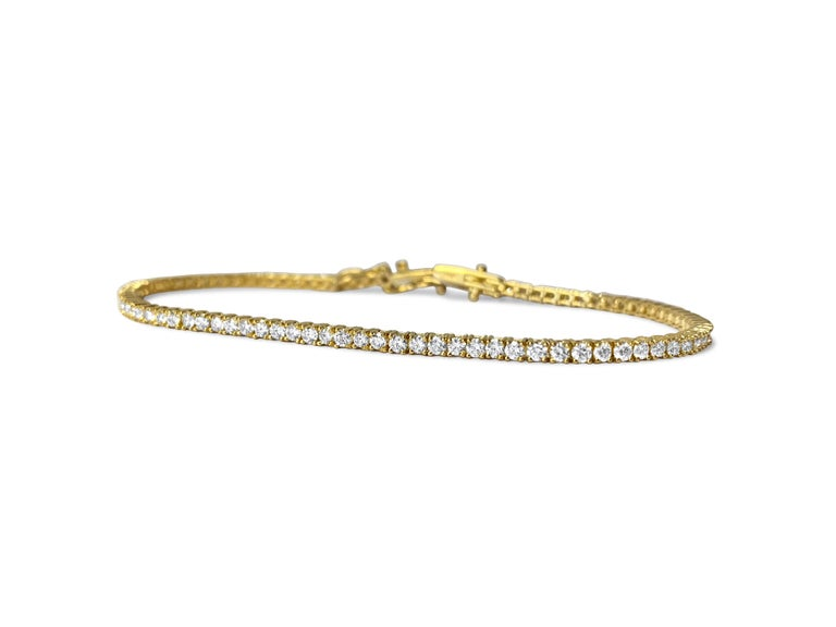 Modern 3.08ct VVS Diamond Tennis Bracelet Unisex in 10k Yellow Gold For Sale