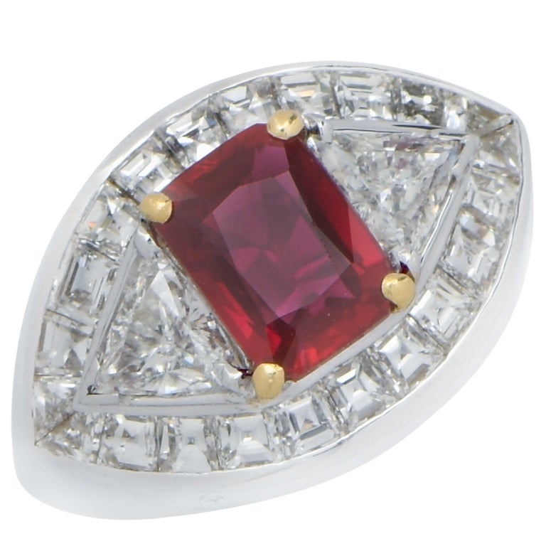 3.09 Carat AGL Graded Burma Ruby and Diamond Ring In Good Condition For Sale In Coral Gables, FL