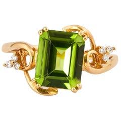 3.1 Carat Peridot and Diamond Ring in 18 Karat Yellow Gold