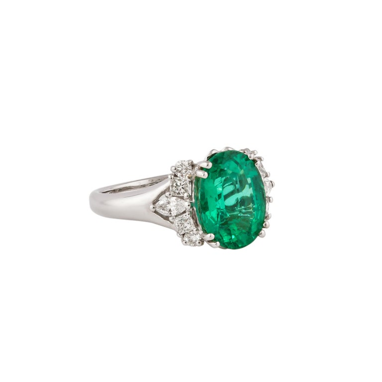 Showcasing the most vibrant Colombian and Zambian emeralds and diamonds, Sunita Nahata dedicates this collection to her home city of Jaipur where the jewelry industry dates back to the early 1700s. Jaipur is also an epicenter for the global emerald