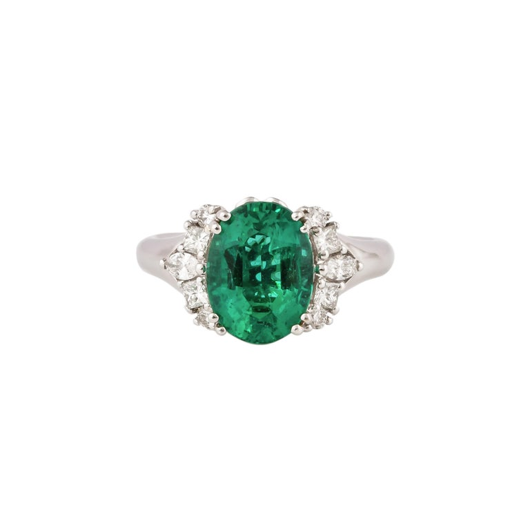 Oval Cut 3.1 Carat Zambian Emerald and White Diamond Ring in 18 Karat White Gold For Sale