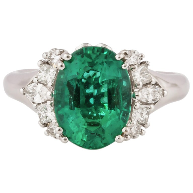 3.1 Carat Zambian Emerald and White Diamond Ring in 18 Karat White Gold For Sale