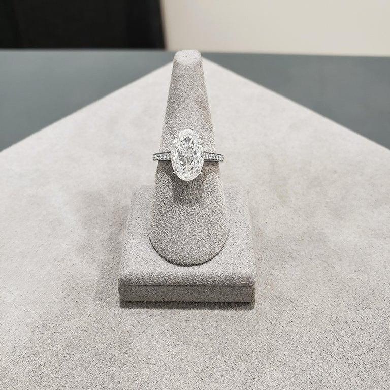 Women's or Men's Roman Malakov 3 Carat GIA Certified Oval Cut Diamond Platinum Engagement Ring For Sale