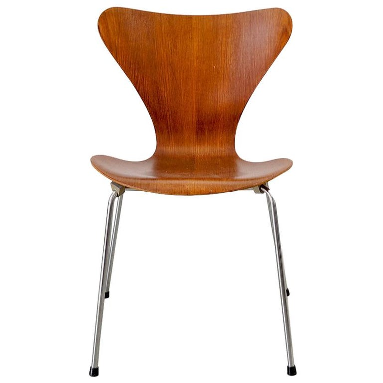3107 Series 7 Chair by Arne Jacobsen for Fritz Hansen, Denmark For Sale