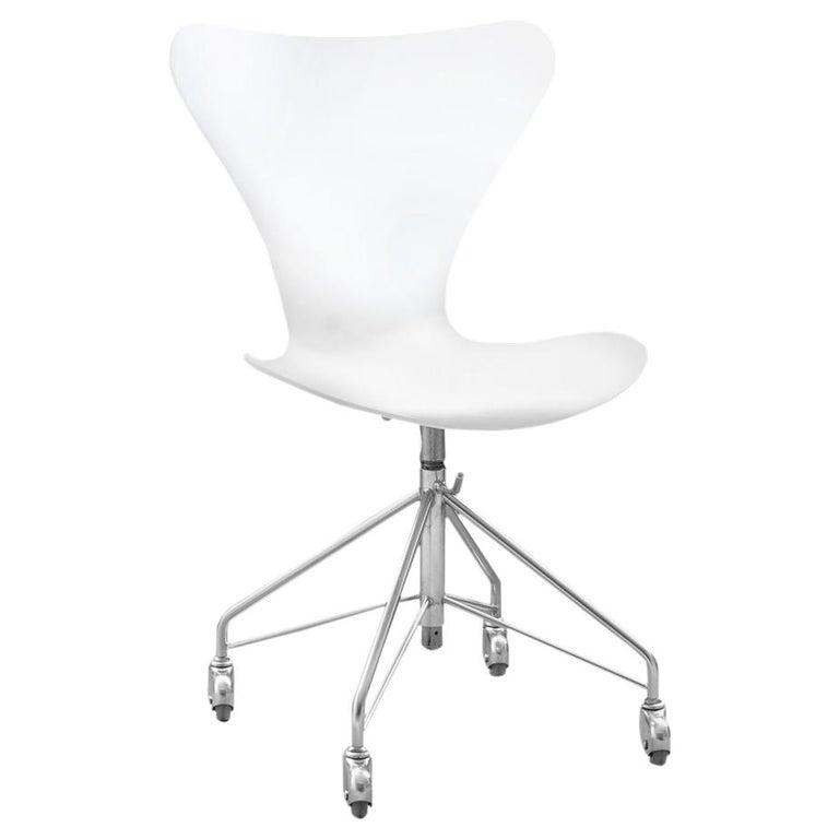 3117 Model Series 7 Desk Chair By Arne Jacobsen For Fritz Hansen