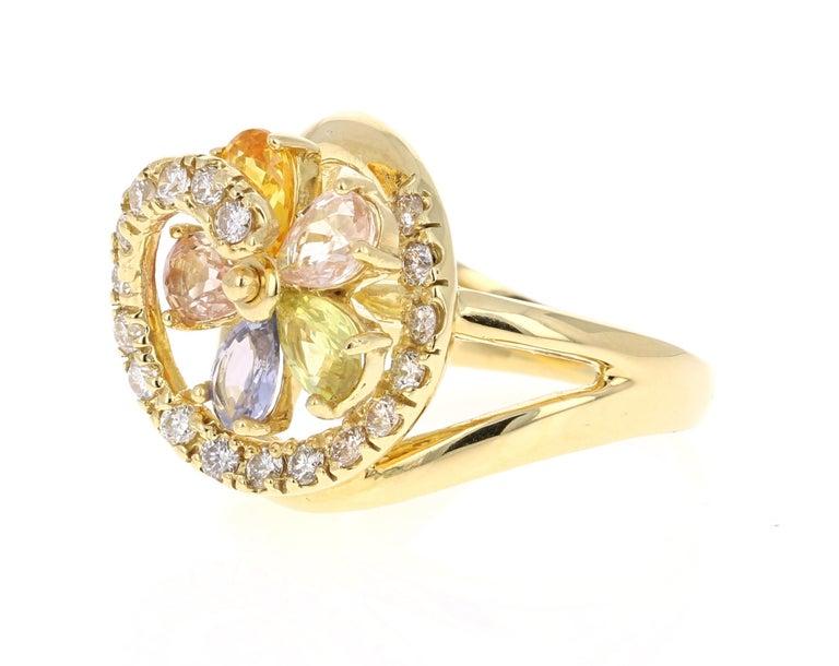 Modern 3.13 Carat Sapphire Diamond 18 Karat Yellow Gold Ring For Sale