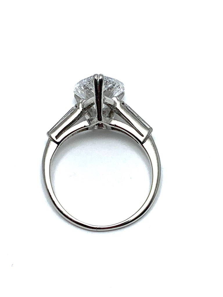 3.14 Carat D SI1 Pear Shape Diamond and Baguette Diamond Platinum Ring For Sale 2