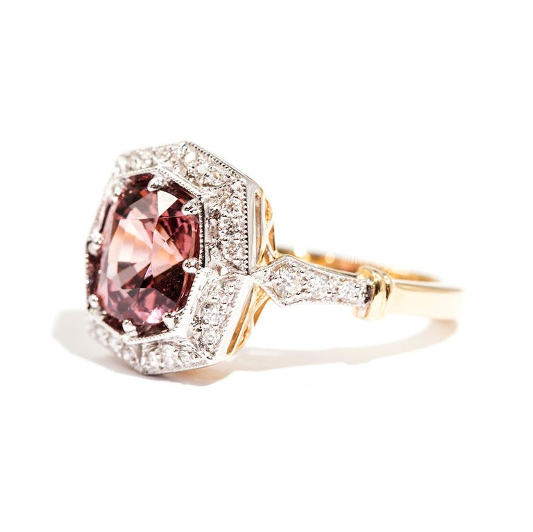 3.16 Carat Cushion Cut Red Pink Spinel and Diamond 18 Carat Gold Halo Ring For Sale 1