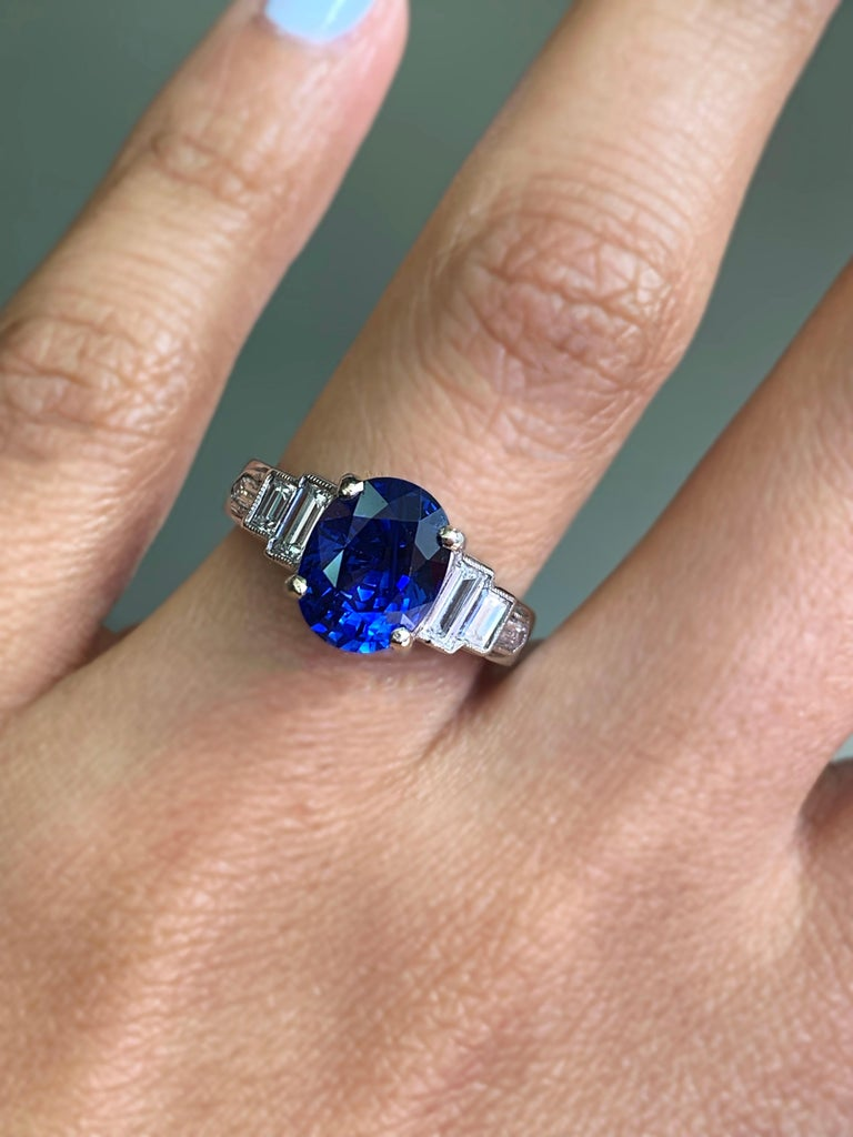 Oval Cut 3.18 Carat Natural Sapphire and Diamond Platinum Deco Engagement Ring For Sale