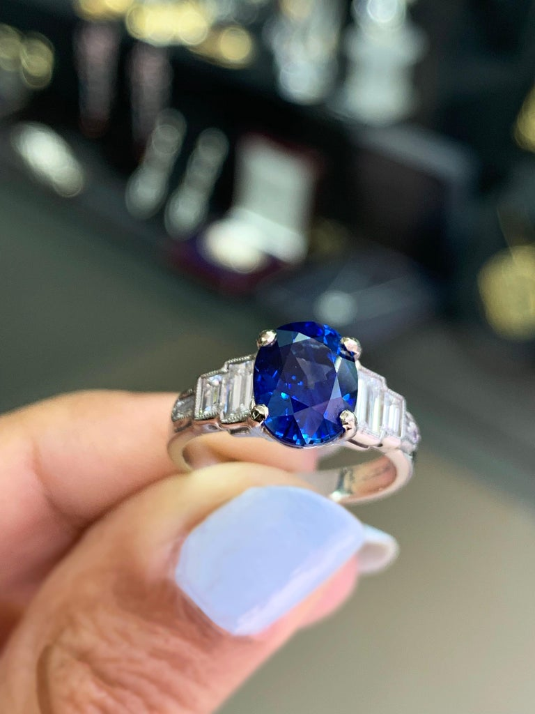 3.18 Carat Natural Sapphire and Diamond Platinum Deco Engagement Ring For Sale 2