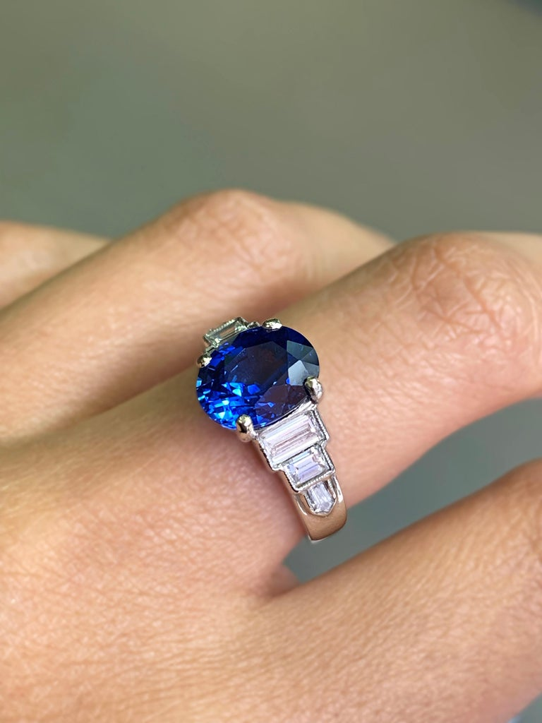 3.18 Carat Natural Sapphire and Diamond Platinum Deco Engagement Ring For Sale 3