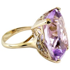 32 Carat Amethyst and White Diamond Ring Set in 18 Karat Gold Made in Italy