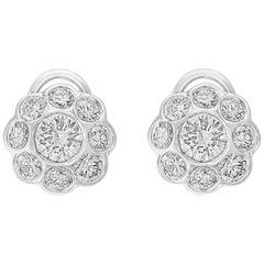 3,2 Karat Diamant VS Qualität Blumen/Cluster-Ohrringe 18 Karat Gold 0,8 Karat Solitär