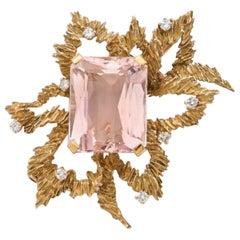32 Carat Morganite Diamonds 18 Carat Yellow Gold Brooch
