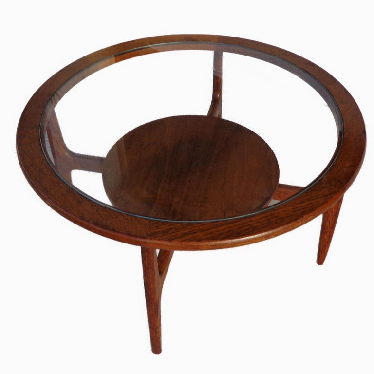 Mid-Century Modern Mid Century 2-Tier Coffee Table For Sale