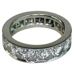 3.20 Carat Diamonds G Color VVS White 18 Karat Gold Band Ring Eternelle