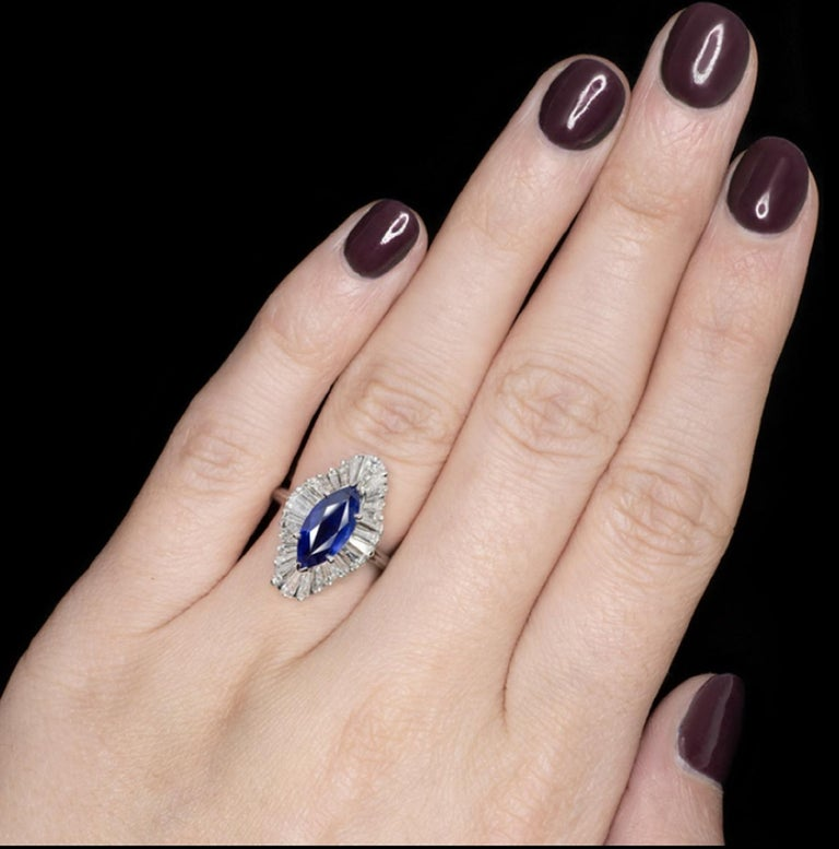 3.20 Carat Royal Blue Sapphire Diamond Halo Cocktail Carat Ring VVS E/G In New Condition In Rome, IT