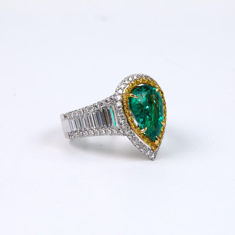 Contemporary 3.25 Carat Emerald and Diamond Engagement Ring For Sale