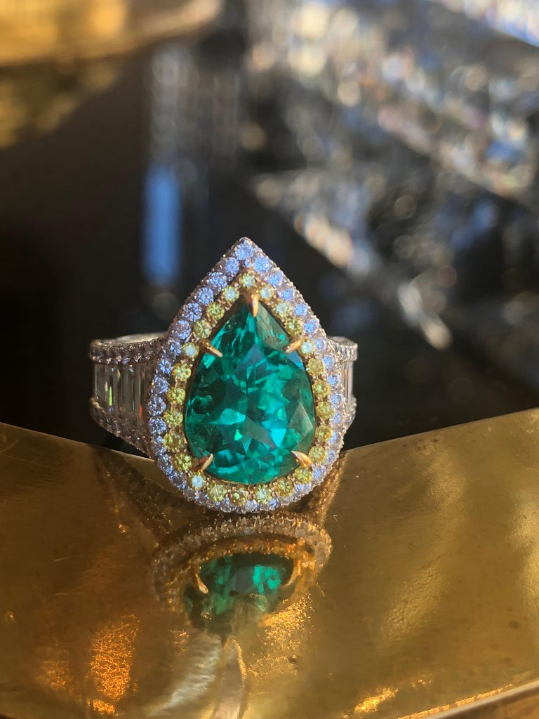 Women's 3.25 Carat Emerald and Diamond Engagement Ring For Sale
