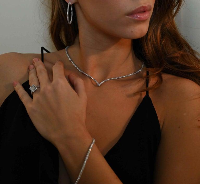 3.25 Carat GVS Round Diamonds Drop Necklace 18 Karat White Gold Riviera Necklace For Sale 1