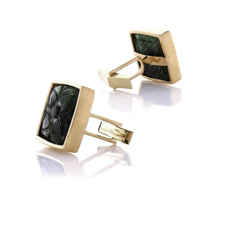 Contemporary 32.50 Carat Total Carved Emerald Cuff Links in 18 Karat Yellow Gold For Sale