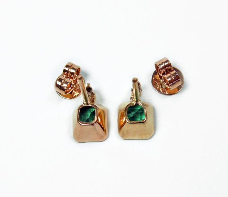Women's 3.26 Carat Natural Green Colombian Emerald Stud Earrings 18 Karat Rose Gold For Sale