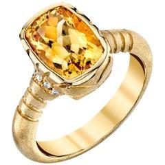 3.27 Carat Topaz and 0.08 Carat White Diamonds 18 Karat Yellow Gold Ring