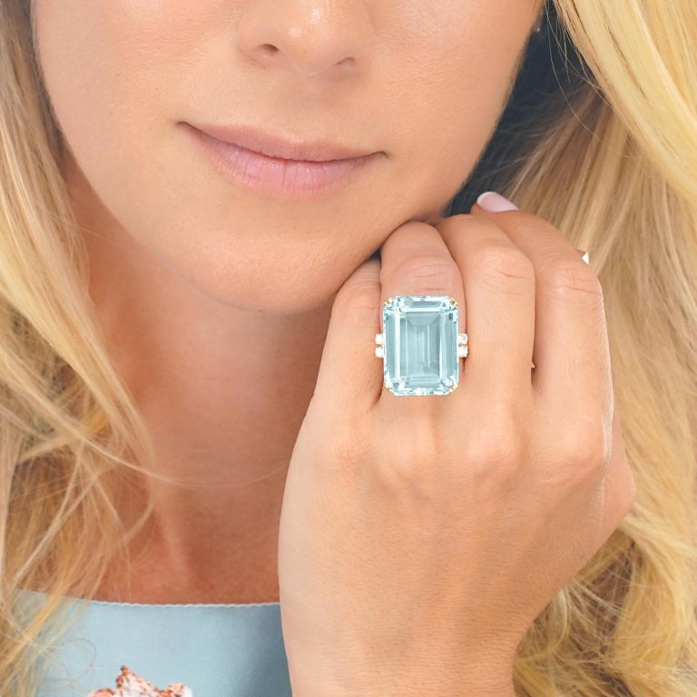 Women's 33 Carat Aquamarine and Diamond Set Gold Ring For Sale