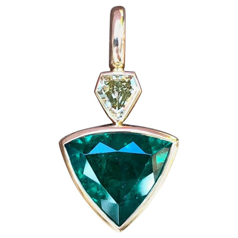 3.3 Carat Colombian Muzo Emerald and Fancy Yellow Diamond Pendant For Sale
