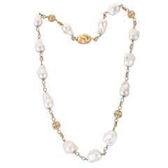 332.52 Carat Baroque Pearls Diamond Filigree 18 Karat Yellow Gold Chain Necklace