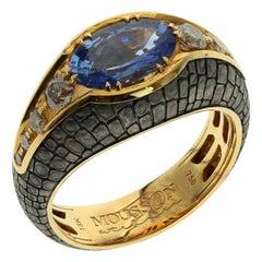 3.33 Carat Blue Sapphire Crocodile Skin 18 Karat Yellow and Black Gold Male Ring