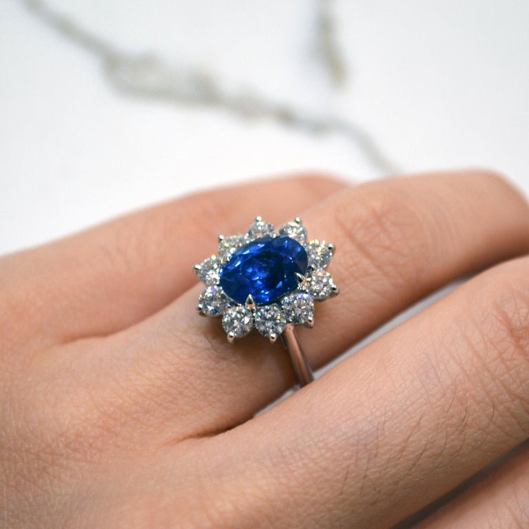 3.33 Carat Ceylon Blue Sapphire Diamond Halo 18 Karat Gold Princess Diana Ring In Excellent Condition For Sale In New York, NY