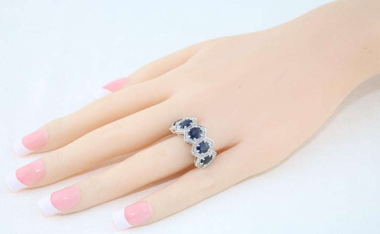 Contemporary 3.33 Carat Five-Stone Hexagon Blue Sapphire Diamond Gold Band Ring For Sale