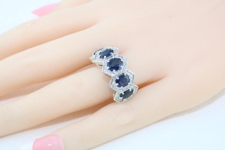 Women's 3.33 Carat Five-Stone Hexagon Blue Sapphire Diamond Gold Band Ring For Sale