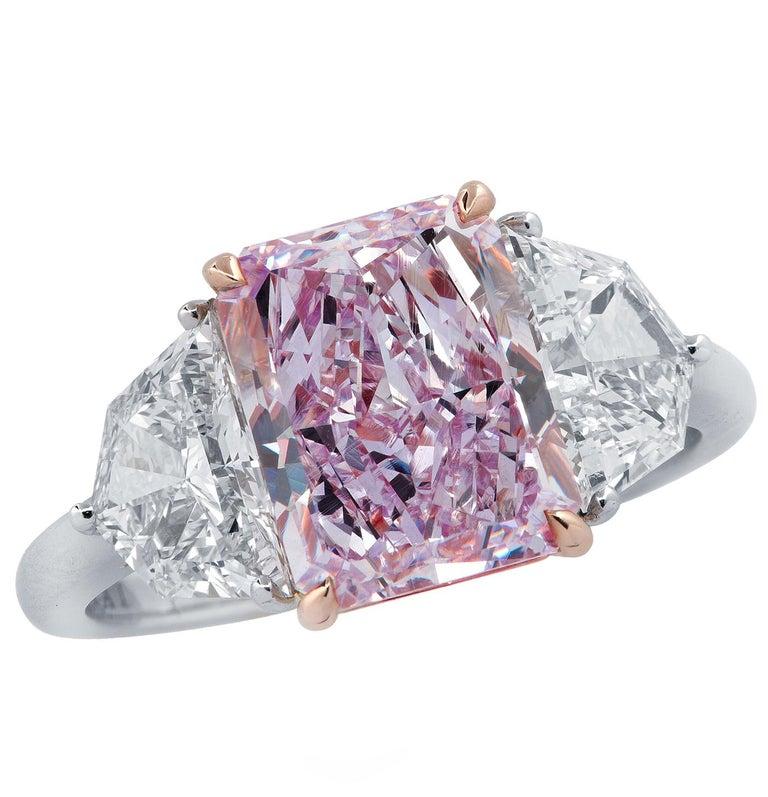 Vivid Diamonds 3.34 Carat Fancy Pinkish Purple Diamond Ring For Sale