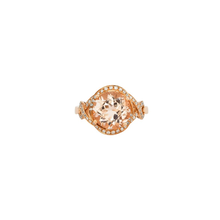 Round Cut 3.34 Carat Morganite and Diamond Ring in 18 Karat Rose Gold For Sale