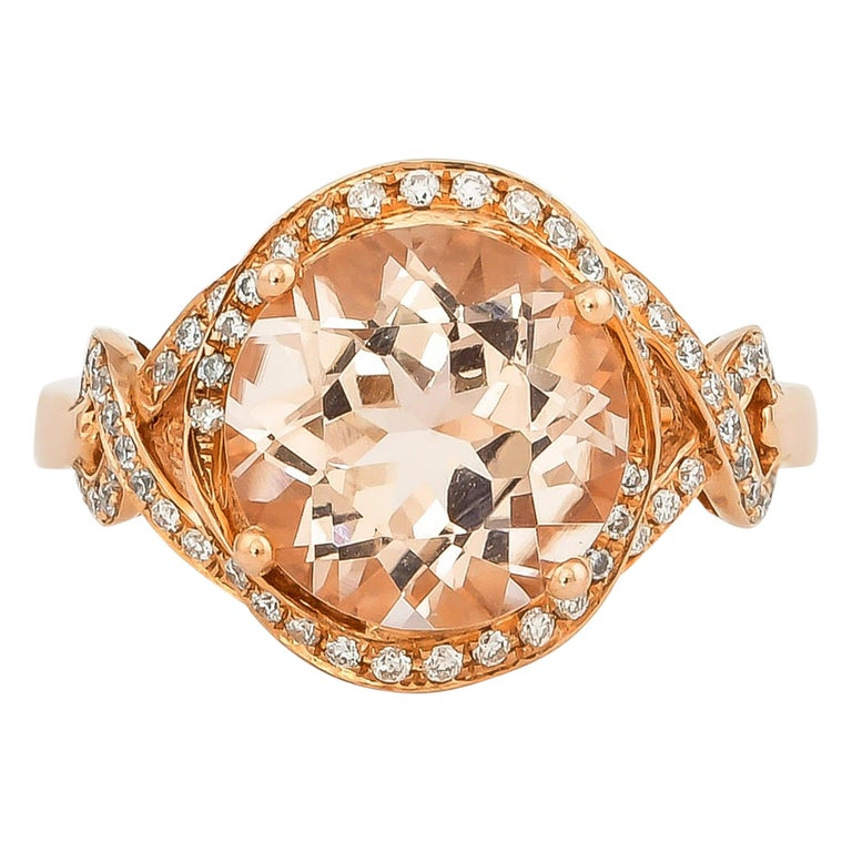 3.34 Carat Morganite and Diamond Ring in 18 Karat Rose Gold For Sale