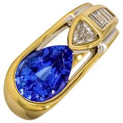 3.35 Carat 18 Karat Yellow Gold Tanzanite Diamond Band Ring