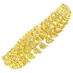 33.61 Carat Natural Fancy Yellow Pear and Cushion Diamond Bracelet Gold 18 Karat
