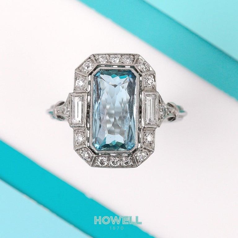 Art Deco 3.40 Carat Aquamarine and Diamond Platinum Dress Cocktail Ring, 1920s 5