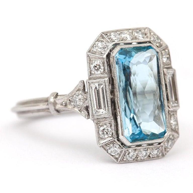 Baguette Cut Art Deco 3.40 Carat Aquamarine and Diamond Platinum Dress Cocktail Ring, 1920s