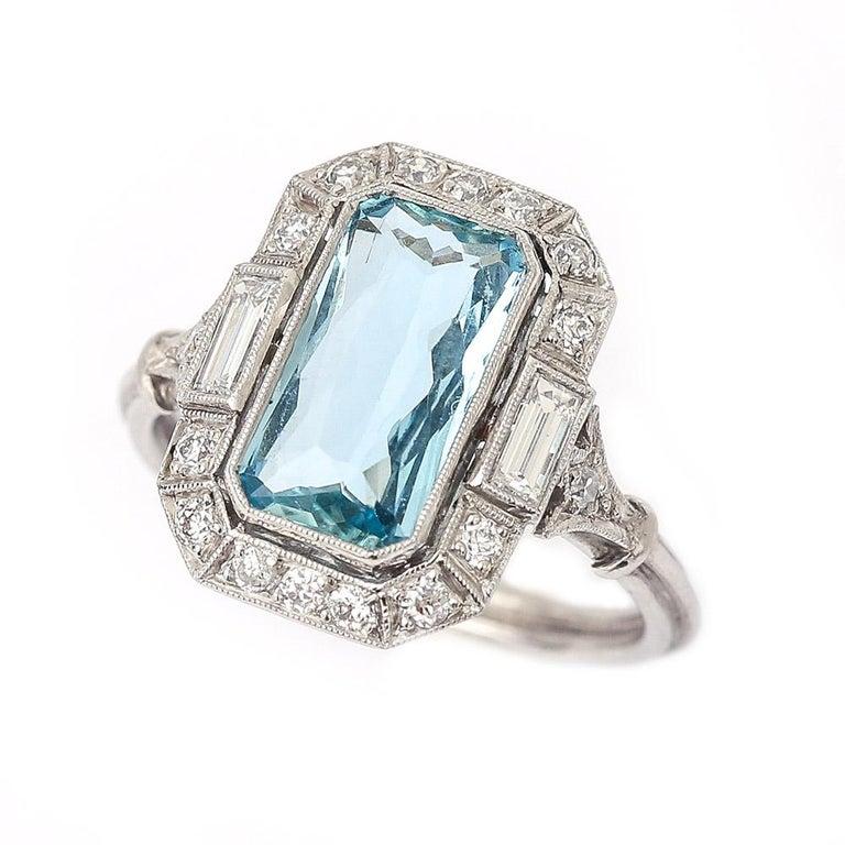 Art Deco 3.40 Carat Aquamarine and Diamond Platinum Dress Cocktail Ring, 1920s 4