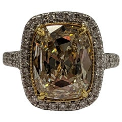 3.40 Carat Light Yellow VS1 Cushion Cut Diamond Ring in 18 Karat Gold