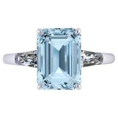 3.43 Carat Emerald Aquamarine 0.42 Carat Diamonds Cocktail Ring