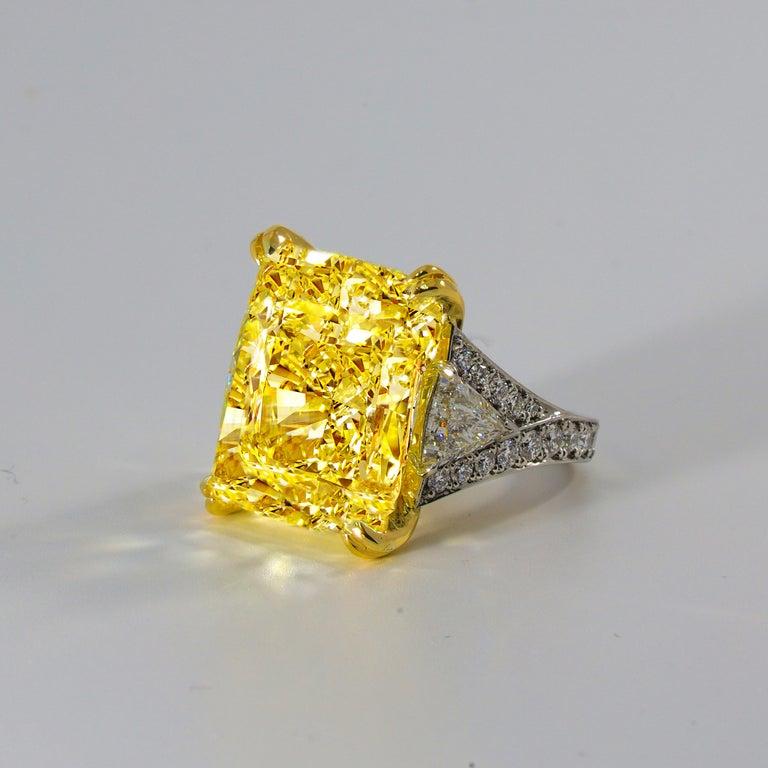 Women's or Men's 34.46 Carat Fancy Intense Yellow VS2 Radiant Cut Diamond Ring For Sale