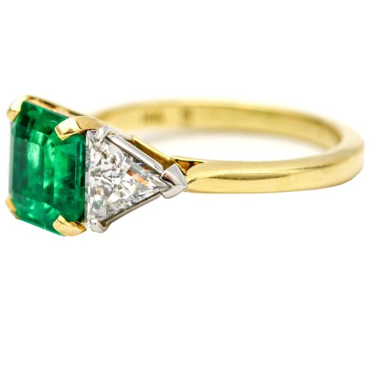 3.45 Carat 18 Karat Gold Platinum Emerald Diamond Three-Stone Ring In Good Condition For Sale In Fort Lauderdale, FL